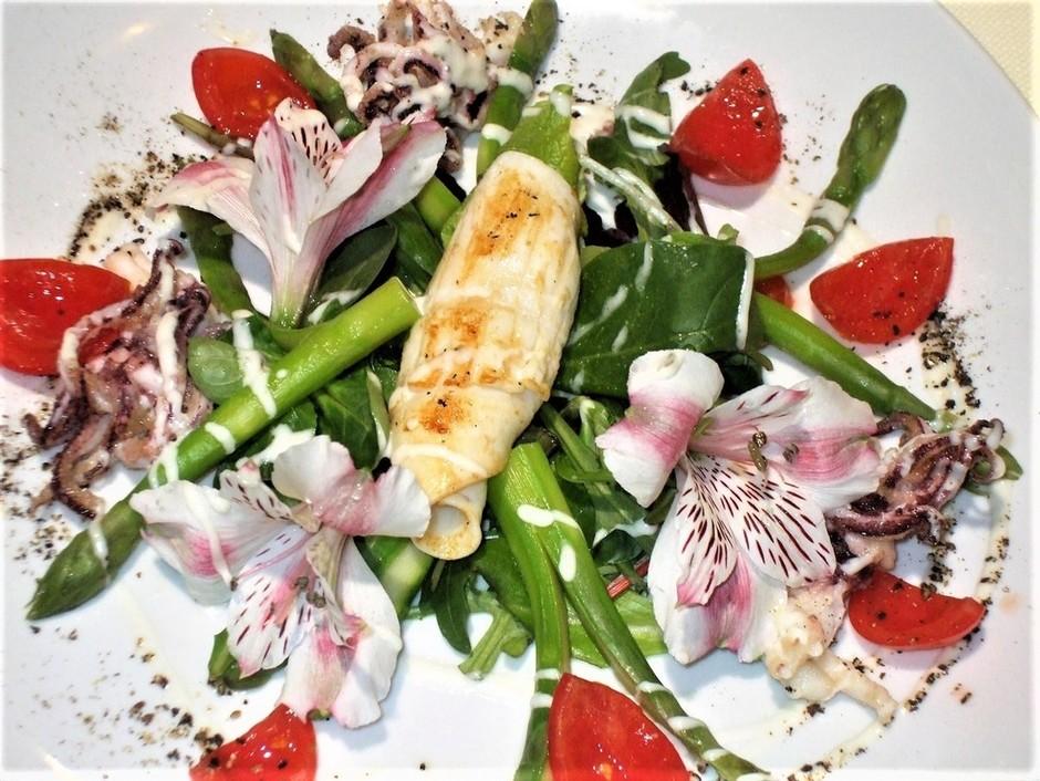 I fiori nel piatto: Calamaro e crema di Nasturzio