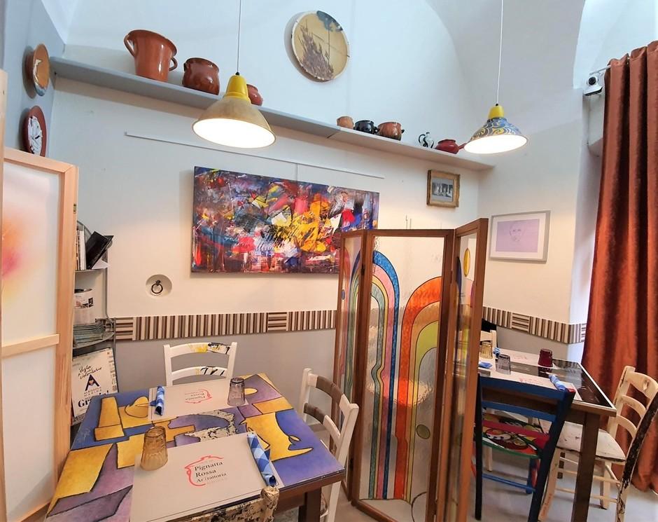 Albissola Marina (SV): alla 'Pignatta rossa' per trovare cibo per il corpo e arte per lo spirito