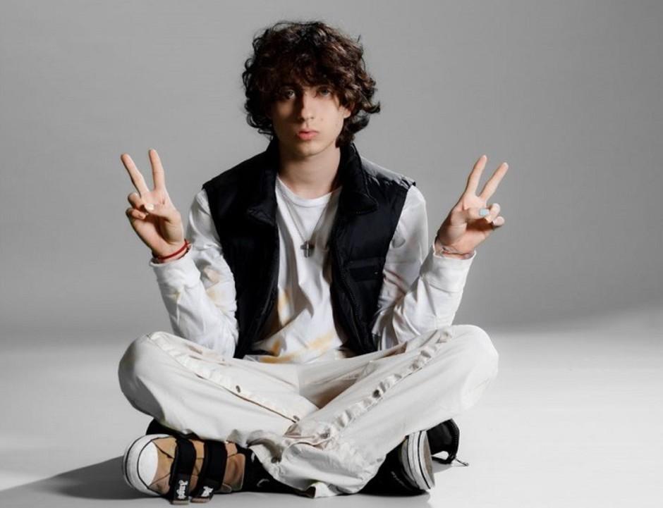 Sangiovanni, la nuova popstar della musica italiana sarà a Lugano il 30 agosto