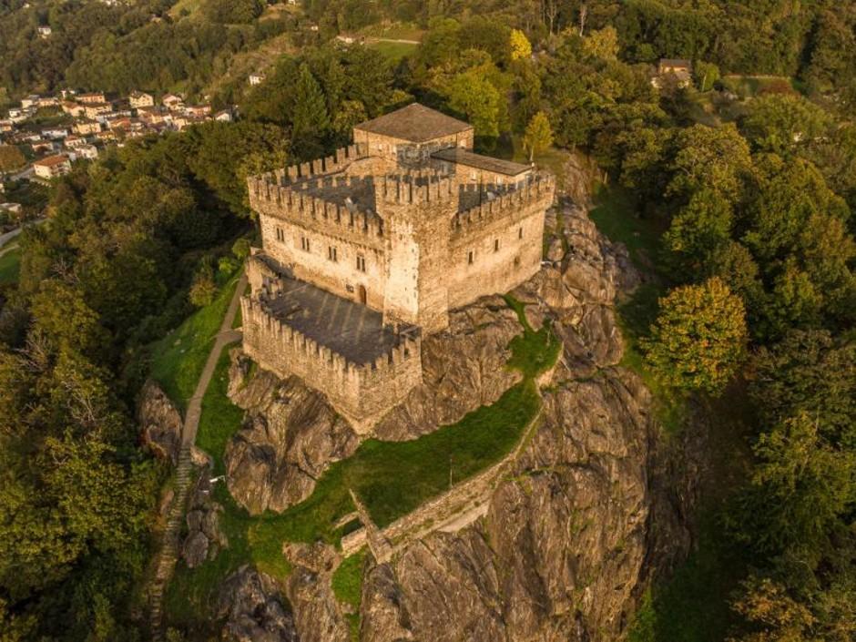 """Canton Ticino: oggi è la """"Giornata dei Castelli Svizzeri"""""""
