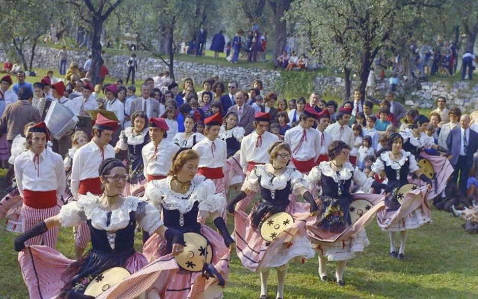 """Nizza: il folclore arriva sul web con la """"Bal(l)ade virtuale dei Mays"""""""