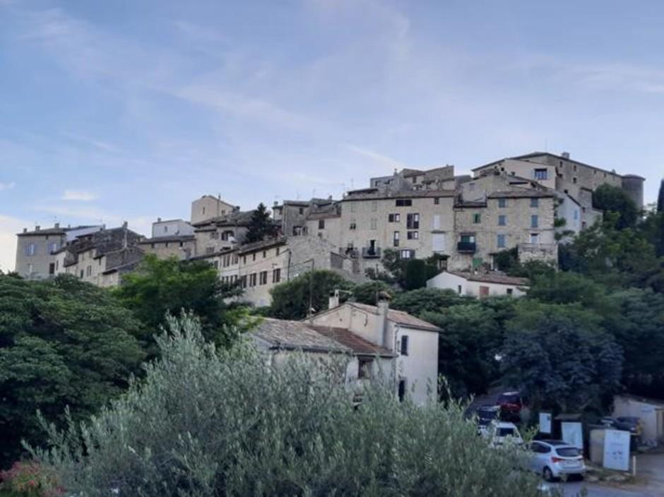 Costa Azzurra: alla scoperta del villaggio di Carros (Foto)