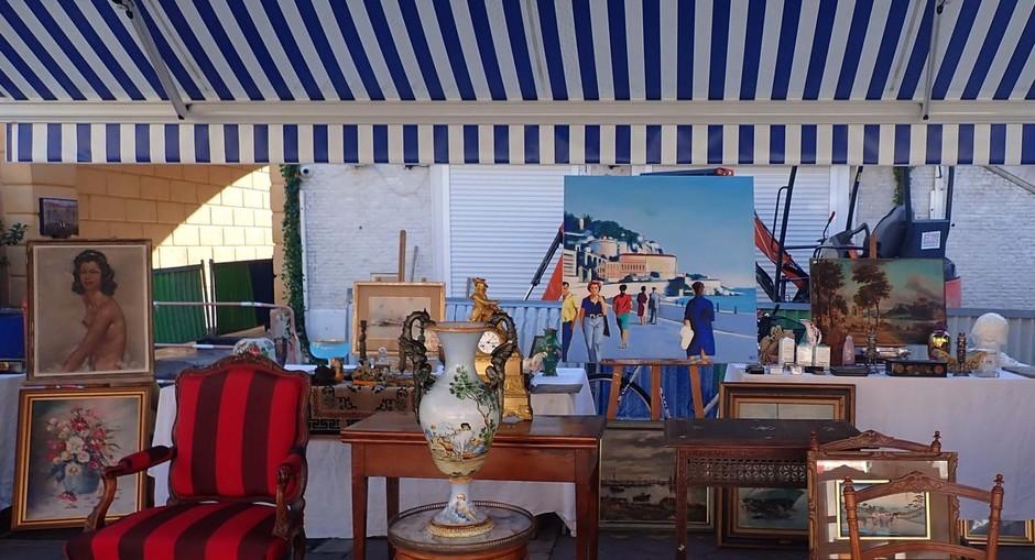 Costa Azzurra: tanti oggetti e  tante curiosità nei marché à la brocante