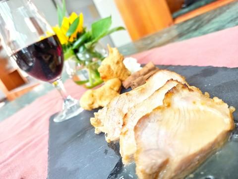La ricetta: Lonza di maiale al forno sfumata al vino bianco con carciofi in pastella