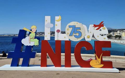 Oggi la pattuglia acrobatica sorvola Nizza