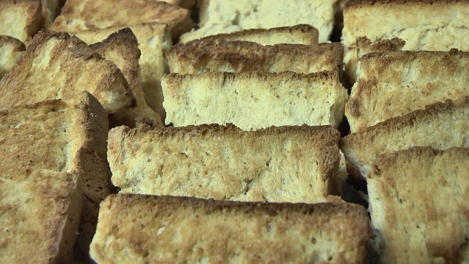 Il Biscotto di Pontedassio, prodotto tipico imperiese di un laboratorio artigianale, che da oltre 30 anni conserva la ricetta originale di questo famoso dolce.